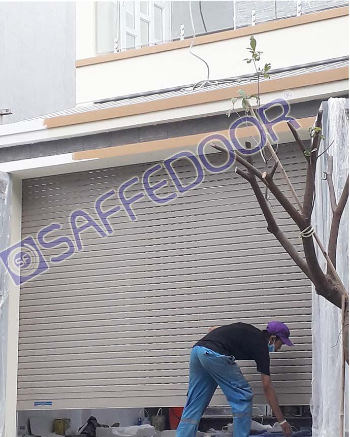 Cửa cuốn nhôm khe thoáng saffedoor SD502B